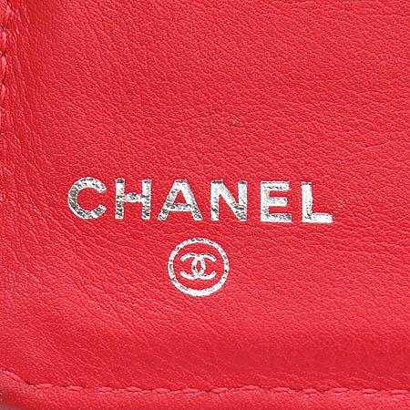 Chanel(샤넬) 레드 캐비어 스킨 은장 COCO로고 장지갑