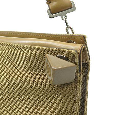 Ferragamo(페라가모) 21 1274 간치니 로고 큐브 장식 패브릭 숄더백