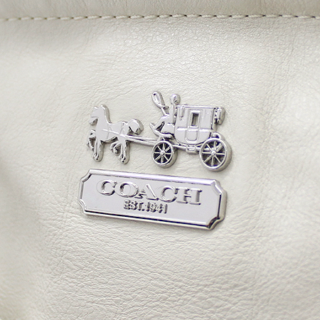 Coach(코치) 14832 은장 로고 장식 보조 동전 지갑 네임 참 장식 2WAY 이미지4 - 고이비토 중고명품