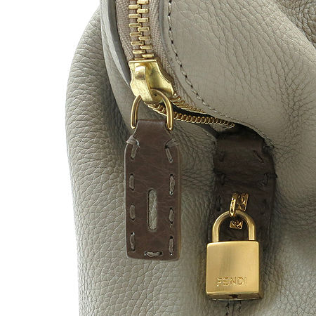 Fendi(펜디) 8BN232 로고 패치 장식 배색 레더 숄더백 [부산본점]