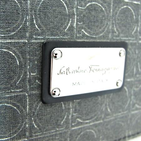 Ferragamo(페라가모) 24 8124 간치니 로고 패턴 남성용 크로스백