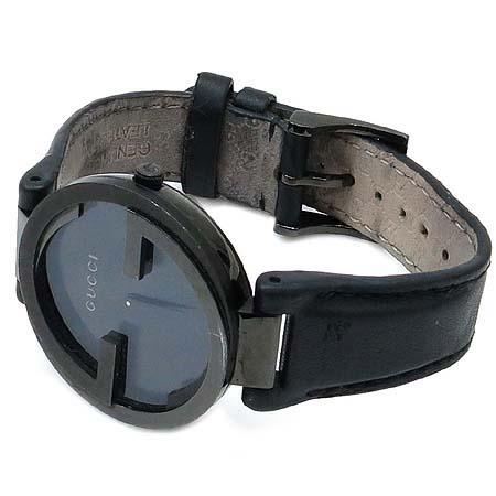 Gucci(구찌) 304248 인터로킹 블랙 PVD(티타늄) 가죽 밴드 남여공용 시계 이미지2 - 고이비토 중고명품