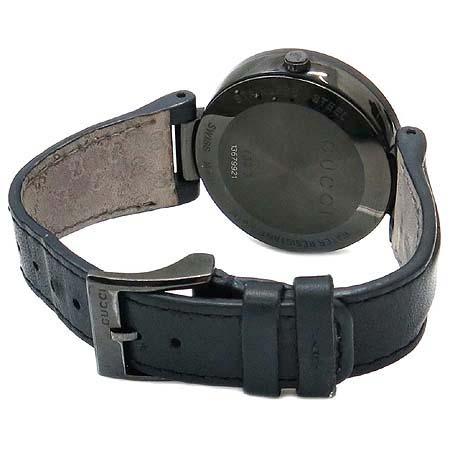 Gucci(구찌) 304248 인터로킹 블랙 PVD(티타늄) 가죽 밴드 남여공용 시계 이미지3 - 고이비토 중고명품