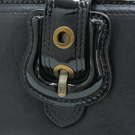 Fendi(펜디) 8M0032 B-FENDI 블랙 레더 버클 장식 장지갑