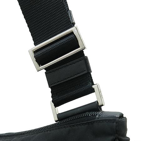 Prada(프라다) 은장 로고 장식 블랙 패브릭 멀티 포켓 크로스백 이미지3 - 고이비토 중고명품