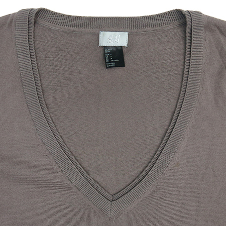 H&M(에이치엔엠) 브라운 컬러 브이넥 니트