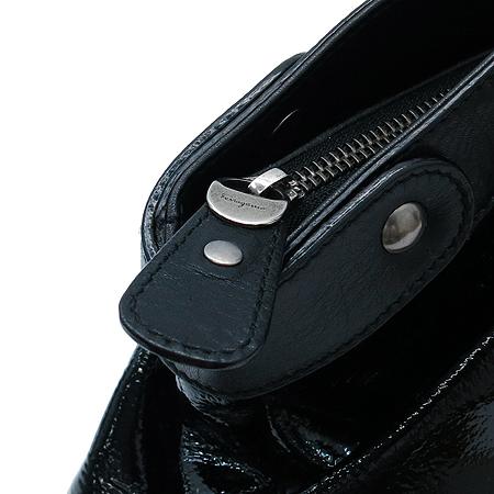 Ferragamo(페라가모) 21 7803 은장 간치니 블랙 페이던트 토트백 이미지5 - 고이비토 중고명품