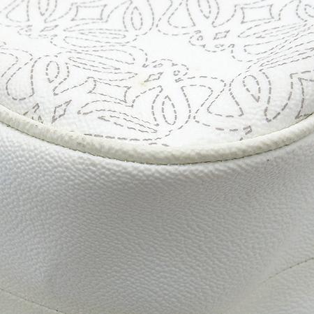 Loewe(로에베) 화이트 레더 로고 장식 빅 숄더백 [강남본점] 이미지5 - 고이비토 중고명품