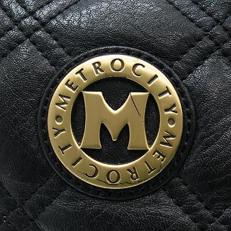 Metrocity(메트로시티) 로고 장식 블랙 퀼팅 레더 토트백 [강남본점] 이미지4 - 고이비토 중고명품