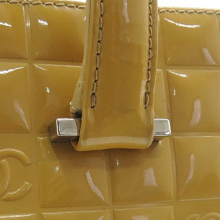 Chanel(샤넬) 옐로우 페이던트 스퀘어 토트백 이미지3 - 고이비토 중고명품