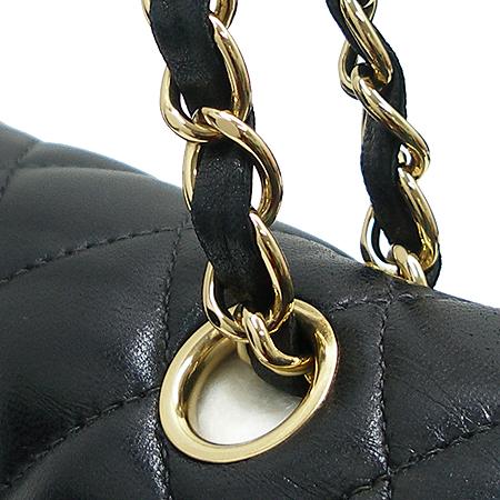 Chanel(샤넬) 램스킨 클래식 M사이즈 금장 체인 숄더백 [압구정매장]
