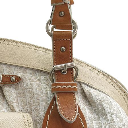 Dior(크리스챤디올) JCV44543 베이지 로고 패브릭 카우하이드 혼방 원 포켓 볼링 토트백