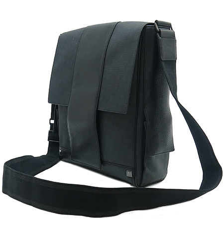 Dunhill(던힐) PVC 블랙 레더 트리밍 은장 로고 스터드 장식 크로스백