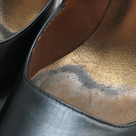 BARBARA(바바라) 금장 벨트 장식 블랙 레더 펌프스 여성용 구두