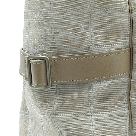 Chanel(샤넬) 뉴 트레블 패브릭 숄더백 [강남본점] 이미지4 - 고이비토 중고명품