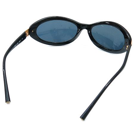 Chanel(샤넬) 5027 COCO 금장 로고 블랙 뿔테 선글라스 이미지3 - 고이비토 중고명품