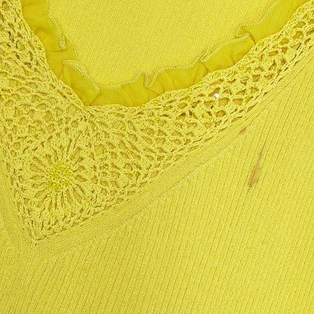 Escada(에스까다) 실크 옐로우 컬러 비즈장식 브이넥 나시 이미지3 - 고이비토 중고명품