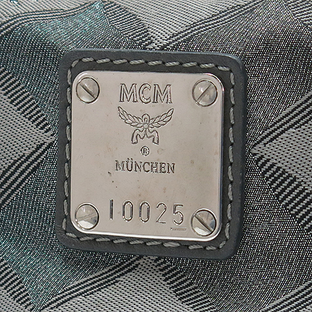 MCM(엠씨엠) 은장 로고 패브릭 레더 라이언 코인장식 체인 토트백