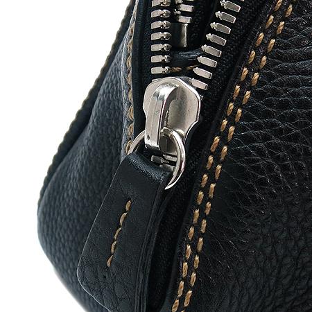 Chanel(샤넬)  캐비어스킨 누빔 스티치 이니셜 로고 테슬장식 토트백