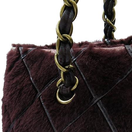 Chanel(샤넬) 퍼플 토끼털 마트라쎄 금장로고 체인 숄더백
