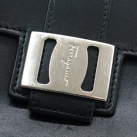 Ferragamo(페라가모) 22 2406 블랙 레더 은장로고 2단 반지갑