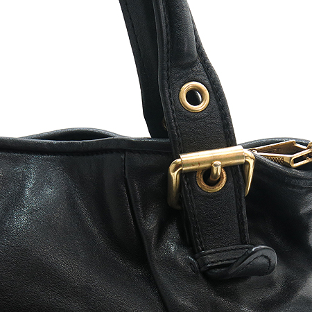 MiuMiu(미우미우) 금장 로고 원포켓 장식 블랙 래더 2WAY