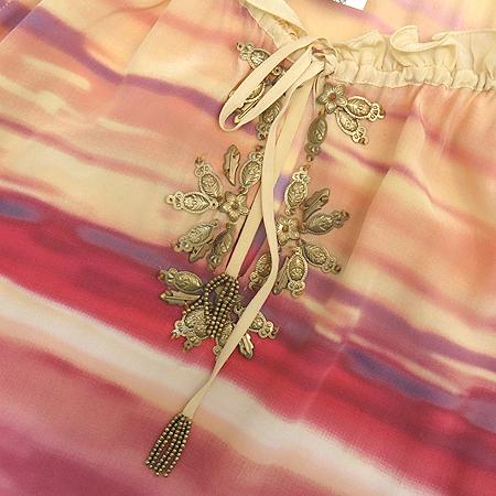 J ROSELOCO NEWYORK(제이로즈로코뉴욕) 실크 그라데이션 패턴 오픈숄더 롱 브라우스 이미지5 - 고이비토 중고명품