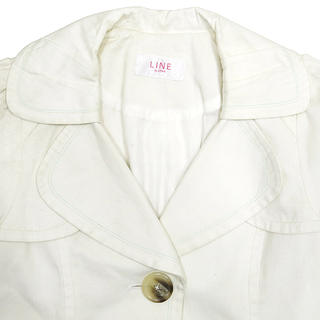 LYNN(린) LINE 화이트 컬러 코트