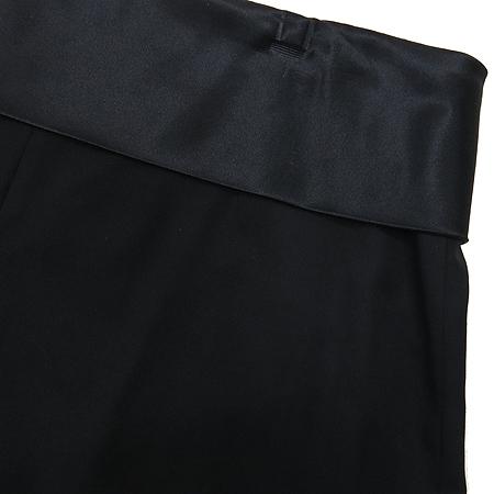 JOSEPH(조셉) 블랙 컬러 스커트 라인 반바지