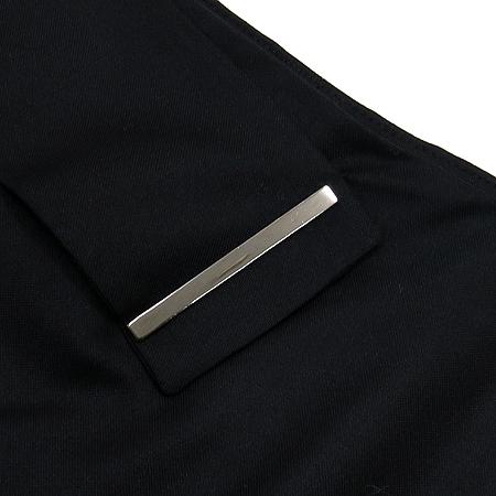 CHRIS CHRISTY(크리스 크리스티) 블랙 컬러 벨트 장식 실크혼방 스커트