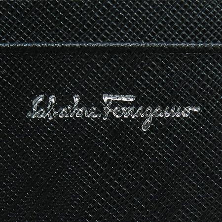 Ferragamo(���) 22 7122 ���� ��ġ�� �ΰ� ��� 2�� ������