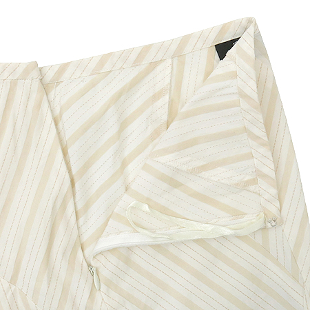 DKNY(도나카란) 스트라이프 패턴 스커트