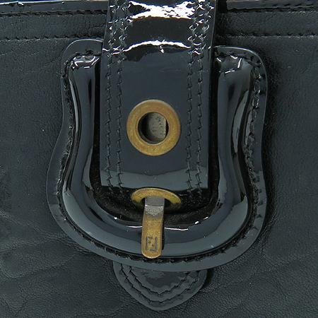 Fendi(펜디) 8M0160 B펜디 벨트 장식 중지갑 [강남본점] 이미지2 - 고이비토 중고명품