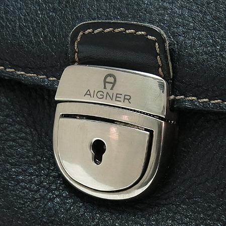 Aigner(아이그너) 블랙 레더 은장로고 숄더백 이미지4 - 고이비토 중고명품