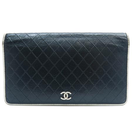 Chanel(샤넬) COCO 은장 로고 퀼팅 화이트 레더 트리밍 장지갑