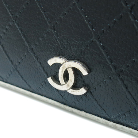 Chanel(샤넬) COCO 은장 로고 퀼팅 화이트 레더 트리밍 장지갑 이미지2 - 고이비토 중고명품
