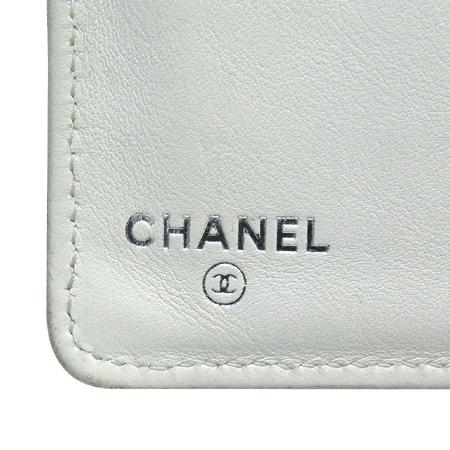Chanel(샤넬) COCO 은장 로고 퀼팅 화이트 레더 트리밍 장지갑 이미지5 - 고이비토 중고명품
