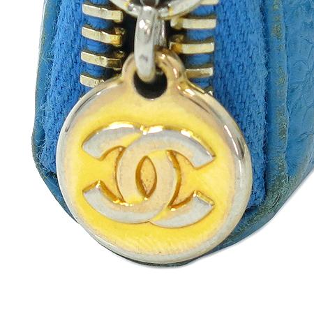 Chanel(샤넬) 캐비어스킨 블루 로고스티치 금장 짚업 중지갑