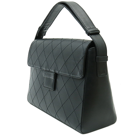 Chanel(샤넬) 카프스킨 블랙 퀼팅 레더 로고 스탬핑 숄더백