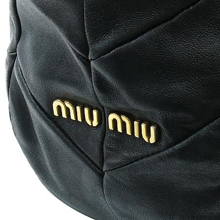 MiuMiu(미우미우) 누빔 블랙 레더 숄더백
