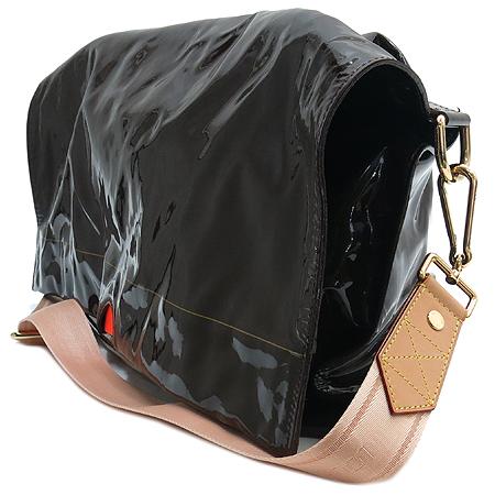 Louis Vuitton(루이비통) M93188 한정판 RAIN DROP(레인드롭) BESACE(베사체) 모카 크로스백 [강남본점] 이미지3 - 고이비토 중고명품