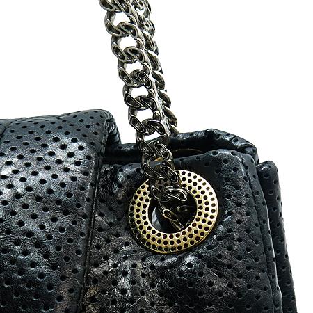 Chanel(샤넬) 금장 로고 장식 퍼포 은장 체인 숄더백