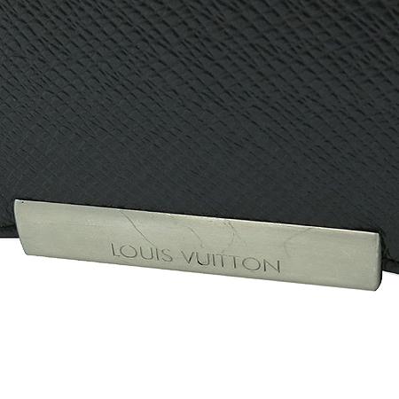 Louis Vuitton(루이비통) M30148 타이가 레더 빅터 크로스백 [강남본점] 이미지3 - 고이비토 중고명품