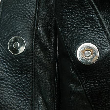 Gucci(구찌) 229851-A7MOR 블랙 레더 은장 장식 숄더백