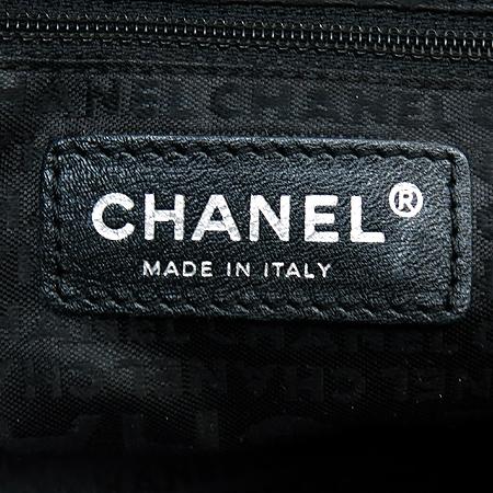 Chanel(샤넬) 캐비어 블랙 퀼팅 은장로고 토트백