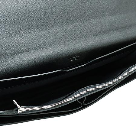 Louis Vuitton(루이비통) M51052 타이가 레더 라귀토 토트백