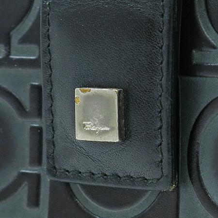 Ferragamo(페라가모) 22 1227 간치니 로고 패턴 짚업 반지갑