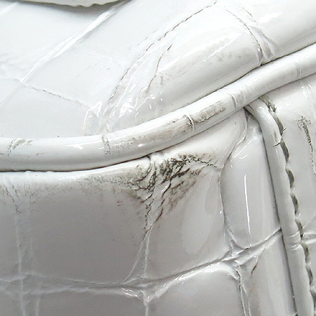 CARBOTTI(카보티) 화이트 레더 페이던트 금장 로고 토트백