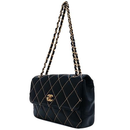 Chanel(샤넬) 와일드스티치 블랙 퀼팅 금장로고 체인 숄더백