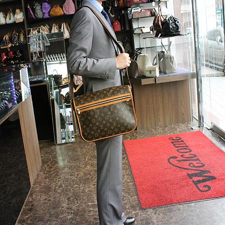Louis Vuitton(루이비통) M40105 모노그램 캔버스 보스포어GM 크로스백